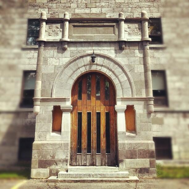 Entrance, Saint-Laurent College (Ville Saint-Laurent)